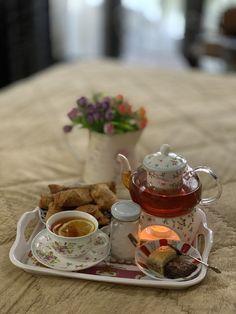 Breakfast Time, Tea Pots, Coffee, Tableware, Kaffee, Dinnerware, Tablewares, Tea Pot, Cup Of Coffee