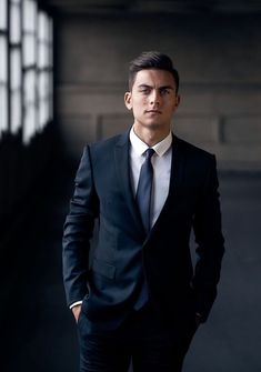 Paulo Dybala: just love him! Juventus Players, Juventus Fc, Soccer Guys, Football Boys, Best Football Players, Soccer Players, Dybala Hair, Neymar, Male Fashion Trends