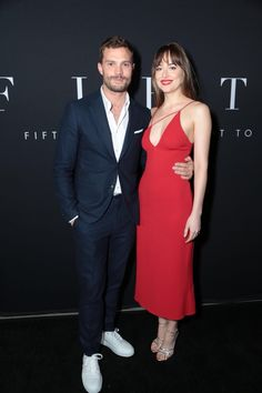 Flawless as always! Dakota and Jamie at the Fifty Shades Brought To Life Pop-Up and Fifty Shades Freed Fan Screening in Los Angeles, California (Feb. 1st) via @50tonsdecinza. Cr. @DakotaJLife