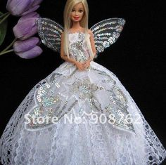 Girls will love reenacting their favorite scenes from the movie Barbie stars as Mariposa, a fairy who travels to Shimmervale and makes a new fairy friend along the way Girls just push a button to see her skirt pop open and her wings move up for her fantastical fairy princess look A great gift that any girl is sure to love.