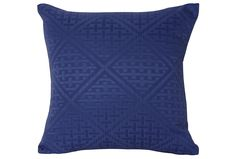 Made from soft polyester, the Zara blue 18x18 outdoor accent pillow looks fantastic with its mesmerizing diamond studded pattern done in deep blue.