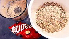 Recept: Malteser Kinder Bueno Cheesecake! - Fitaddict.nl Malteser, Lunch Room, Acai Bowl, Oatmeal, Breakfast, Fit, Kinder Bueno Cheesecake, Acai Berry Bowl, The Oatmeal