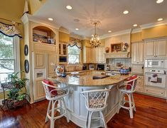 Great  #Traditional # Kitchen Design
