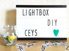DIY: Lightbox Classroom Ceiling, Letters For Kids, Signage Design, Design Quotes, Craft Patterns, Light Table, Diy Art, Diy Home Decor, Lightbox