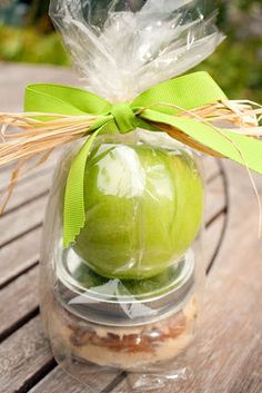 Cute and inexpensive gifts. Mayve do with individual carmel dip too!