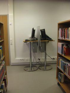 Kun kaikilla on omat läppärit, kirjastossa ei tarvitse pöytäkoneita tämän enempää?
