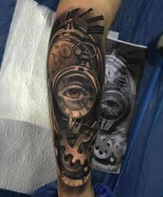 Clock tattoo designs are one of the timeless tattoo ideas (no pun intended) that you should consider. Check out our gallery for more ideas. Watch Tattoos, Top Tattoos, Body Art Tattoos, Sleeve Tattoos, Tattoos For Guys, Tattos, Clock Tattoo Design, Tattoo Designs, Tattoo Clock