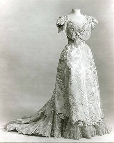~Evening dress House of Worth (French, 1858–1956) Date: ca. 1906 Culture: French Medium: silk~