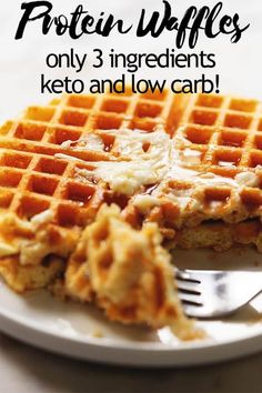 These actually crispy low carb and keto waffles are packed with protein. Use your favorite whey protein powder, eggs, water, and baking powder to make these delicious and healthy protein waffles. PIN…More 25 Awesome Keto Friendly Meal Recipes Keto Waffle, Waffle Recipes, Low Calorie Waffle Recipe, High Protein Waffle Recipe, Waffle Iron, Casserole Recipes, Low Carb Waffles, Paleo Waffles, Breakfast