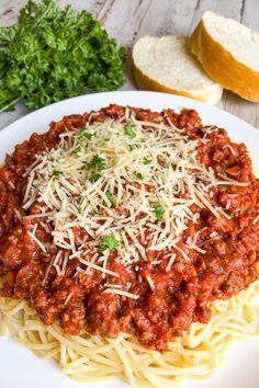 Quick Spaghetti Sauce, Spagetti And Meatball Recipe, Homemade Italian Spaghetti Sauce, Best Spaghetti Recipe, Homemade Meat Sauce, Spaghetti Recipes, Spaghetti And Meatballs, Homemade Spaghetti Noodles, Pasta Recipes