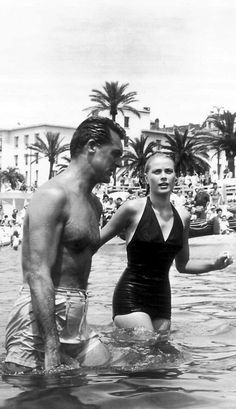 Cary Grant and Grace Kelly take a dip while filming To Catch A Thief (Alfred Hitchcock, 1955)