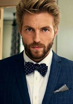 From the Hair to the Beard this Style works - You could even lose the bow tie and open up the Shirt for a Great Casual Look! Sharp Dressed Man, Well Dressed Men, Mens Fashion Blog, Look Fashion, Fashion Menswear, Look Man, Moustaches, Suit And Tie, Hair And Beard Styles