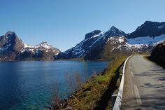 Mefjorden på Senja, ved Kvalvika.    Foto: Roger Ellingsen
