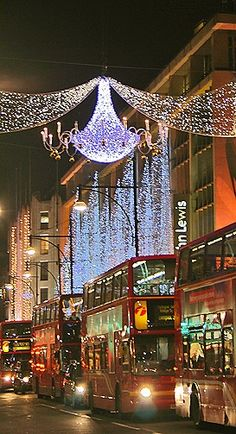 Christmas in London. I want to go to there.