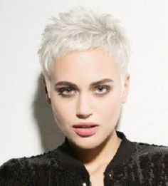 Very short pixie for platinum blonde hair. Cute short haircut for fashion minded women. Very short pixie for platinum blonde hair. Cute short haircut for fashion minded women. Short Platinum Blonde Hair, Short Grey Hair, Short Hair Updo, Short Blonde, Short Hair Styles, Blonde Pixie, Short Bangs, Gray Hair, Platinum Pixie