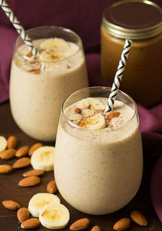 Healthy Smoothies Recipe *Banana Almond Flax SMOOTHIE* Welcome to one of my new absolute favorite healthy smoothies! This Banana Almond Flax Smoothie is like dessert for breakfast and I just can't get enough of Breakfast Smoothies, Fruit Smoothies, Healthy Smoothies, Healthy Drinks, Healthy Snacks, Healthy Recipes, Healthy Breakfasts, Smoothie Diet, Banana Drinks