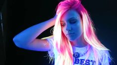 Glow-In-The-Dark+Hair+Exists+And+It+Is+Stunning+AF