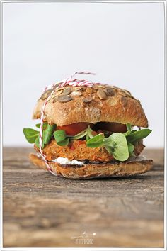 Greenburger - Recette Veggie - Petits Béguins Baby Food Recipes, Cooking Recipes, Sandwiches For Lunch, Delicious Burgers, Best Sandwich, Food Presentation, Healthy Cooking, Summer Recipes, Good Food
