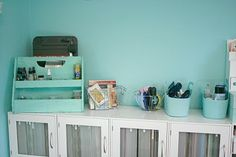 Why yes, I should be doing something else. Ha!: My Craft Room: The Desk Area!