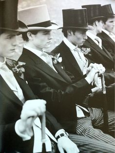 We have a theory that everyone looks much more attractive in a top hat. Top hats just make everyone. Dandy, Old Photos, Vintage Photos, Portraits Victoriens, Vintage Men, Vintage Fashion, Vintage Style, Vintage Gentleman, Retro Men