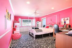 I hope Billy doesn't mind hot pink zebra print bc this is our future bedroom haha. Just kidding but i really would do this if it was my own house and i didnt have to share a room with him WAH!