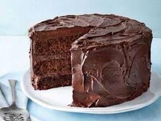 When you're in need of a delicious layer cake that is easy to make, look no further than this Chocolate Mayonnaise Cake. The deep flavor of this Lime Meringue Pie, Cherry Pie Bars, Orange Chiffon Cake, Southern Pound Cake, Cake Recipes, Dessert Recipes, Potluck Desserts, Chocolate Mayonnaise Cake, Fresh Apple Cake
