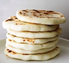 Colombian Arepas - Why Don't You Make Me? Colombian Arepas, Colombian Food, Colombian Recipes, Caramel Recipes, Vegan Recipes, Yummy Recipes, Plats Latinos, Calories In Vegetables, Recipes With Flour Tortillas