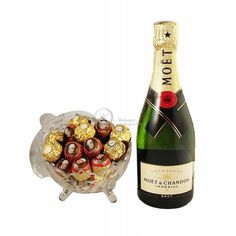 Treat your recipient with Ferrero Rocher & Mozart Truffles ' smooth flavors & soft chocolates, the luxurious classic French chocolates and Moet Chandon Champagne will help you relax! Valentine Day Gifts, Holiday Gifts, Christmas Gifts, French Chocolate, Moet Chandon, Ferrero Rocher, Corporate Gifts, Truffles, Chocolates