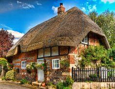 A thatched cottage in Nether Wallop, Hampshire. Credit Anguskirk