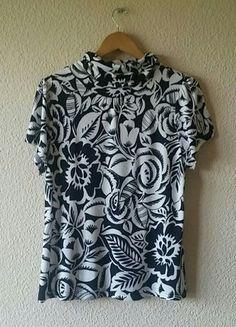 Compra mi artículo en #vinted http://www.vinted.es/ropa-de-mujer/camisetas/708369-camiseta-flores-escada