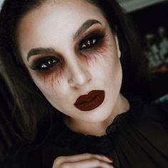 Vampir Halloween - Makeup Tutorial Over 40 Cute Halloween Makeup, Pretty Halloween, Halloween Outfits, Scary Halloween, Halloween Costumes, Diy Costumes, Halloween Vampire, Fall Halloween, Scary Vampire