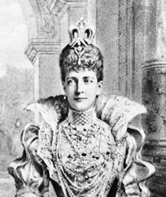 Late 1800s: Royal trend | The Secret (And Not So Secret) History Of Choker Necklaces