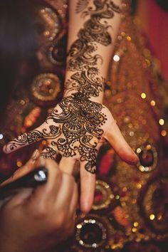 Beautiful henna artwork. #indianweddings #weddingphotography #yorkshireweddings #henna #realweddings #domshawphoto #yorkplacestudiosmoments