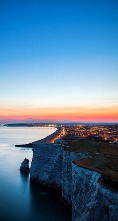 Beachy Head, Eastbourne, England (by drfugo on Flickr)