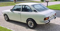 My first car (or at lease a reasonable facsimile) 1971 Toyota Corolla
