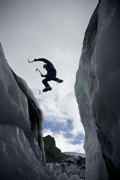 Jump ! Ice Climbing, Mountain Climbing, Snowboarding, Skiing, Extreme Sports, Mountaineering, Trekking, Kayaking, Adventure Travel