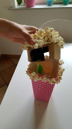 Pengegave i popcorn boks