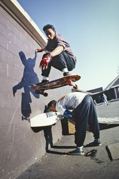 Old #school #skateboarding! Is this how your #playground use to look like? Tommy Guerrero wall ride of a drinking fountain