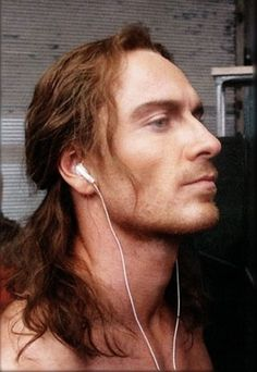 HAVE YOU SEEN THIS MOTHERFUCKING GEORGEOUS HAIR OH GOD I BELIEVE IT IS AS SOFT AS VELVET I WANT TO TOUCH IT MORE THAN I WANT THE WHOLE FASSB...