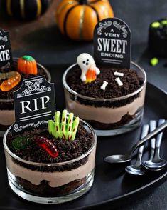 Comida De Halloween Ideas, Halloween Torte, Bolo Halloween, Postres Halloween, Recetas Halloween, Dessert Halloween, Halloween Baking, Halloween Food For Party, Halloween Cupcakes