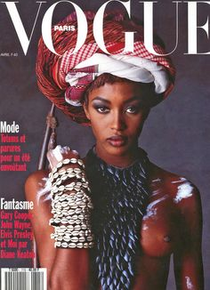 75 covers Vogue UK December by Patrick Demarchelier. Vogue Italia June and Vogue Paris August Vogue US and Vogue Paris September Vogue Italia December by Steven Meisel. Vogue Covers, Vogue Magazine Covers, Fashion Magazine Cover, Fashion Cover, Fashion Top, India Fashion, African Fashion, Naomi Campbell, Vogue Paris