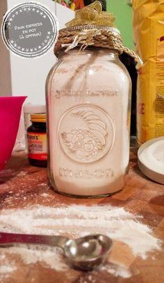Poulet Shish Taouk, Pain Pizza, Pots, Jar Gifts, Mason Jar Lamp, Blog, Foodies, Muffins, Canada