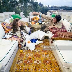 News Photo : Paul & Talitha Getty pose in the roof terrace of... Boho Chic Interior, Bohemian Bedroom Design, Interior Design, Marrakech, Talitha Getty, Hassan 2, Evolution Of Fashion, Old Hollywood Stars, Moroccan Style