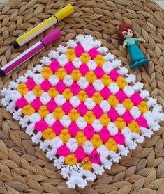 Crochet Dollies, Crochet Flowers, Weaving Patterns, Baby Knitting Patterns, Yarn Crafts, Diy And Crafts, Rainbow Crochet, Viking Tattoo Design, Sunflower Tattoo Design