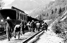 Chinese railroad construction workers laying the Canadian Pacific Railway track in 1924 near Glenogle, British Columbia, Vancouver Public Library Canadian Pacific Railway, Canadian Rockies, Canadian History, American History, Chinese American, Old Train Pictures, Immigration Canada, Teaching History, Old West