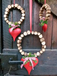 Heart wreaths with wood - works - # heart wreaths # works - DIY Basteln Mit Holz - Dekoration Christmas Holidays, Christmas Wreaths, Christmas Crafts, Christmas Decorations, Christmas Ornaments, Christmas Ideas, Door Crafts, Diy Crafts To Do, Heart Wreath