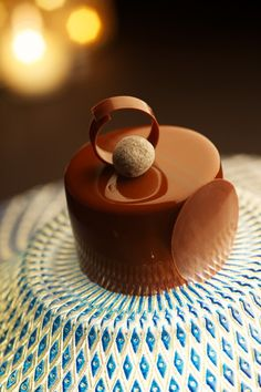 Milk Chocolate Mousse with Praline Cream and Hazelnut Dacquoise see design Mini Cakes, Cupcake Cakes, Dessert Presentation, Decoration Patisserie, Beautiful Desserts, Fancy Desserts, Chocolate Desserts, Chocolate Cake, Cake Toppers