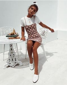 Vintage Summer Outfit Ideas To Looks Classic 92 - vintage summer outfits outfits vintage shorts vintage dress vintage fashion vintage outfits summer beach dress summer beach wear summer dress flowers - Vintage Outfits -Summer Vintage Dresses 2019 Vintage Summer Outfits, Summer Holiday Outfits, Trendy Outfits, Cool Outfits, Fashion Outfits, Womens Fashion, Summer Beach Outfits, Outfit Ideas Summer, Tumblr Summer Outfits