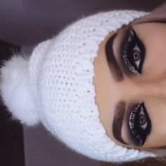 Laughable eyebrows! I can't take it anymore!! It's ridiculous! They look so silly!