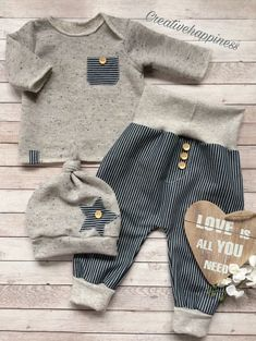 Baby clothes should be selected according to what? How to wash baby clothes? What should be considered when choosing baby clothes in shopping? Baby clothes should be selected according to … Baby Boy Fashion, Kids Fashion, Fashion Ideas, Fashion Outfits, Baby Jeans, Baby Sewing, Baby Boy Outfits, Newborn Outfits, Kids And Parenting